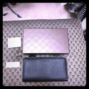 Gucci black pebbled leather women's wallet